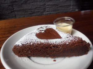 fondant au chocolat fait maison au restaurant Le Tetras Bonascre